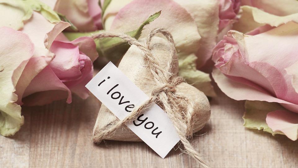 Na sastav ljubav prvi pogled Ljubav na